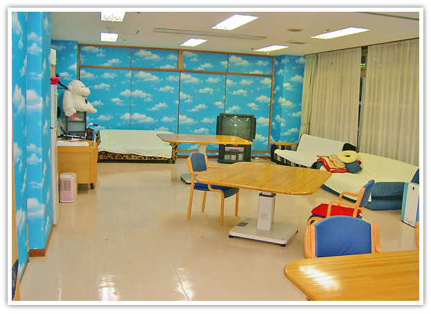 【写真】認知症対応型デイのデイルーム この場所で専門サービスを実施します。
